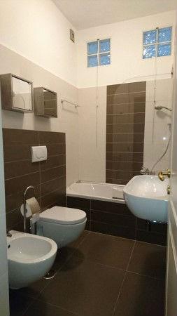 Ampia singola con bagno privato a garbatella - Ostelli londra con bagno privato ...