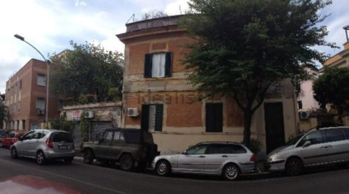 Monolocale in affitto in via fratelli bandiera for Cerco locale commerciale in affitto a roma nord